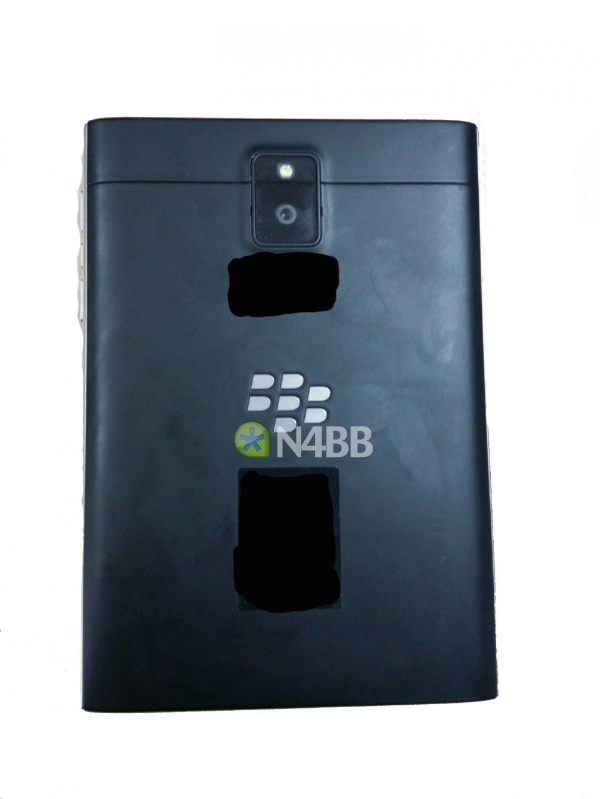New-BlackBerry-Q30-aka-Windermere-images-and-specs-backup-b