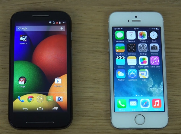 Moto-E-vs-iPhone-5S-i