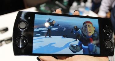 В Китае выпустили игровой смартфон Snail Games W 3D.
