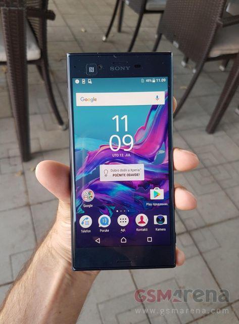 Фотографии нового смартфона Sony Xperia с обновленным дизайном