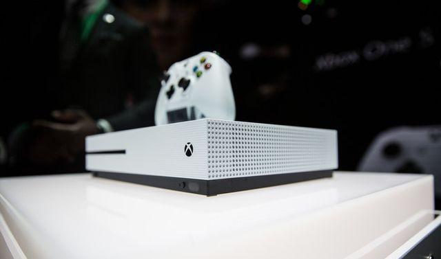Обзор Xbox One S: новая консоль от Microsoft, которая тоньше и лучше PS4