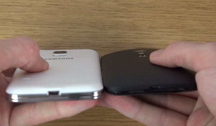 Moto-G-vs-Galaxy-S5-mini-b
